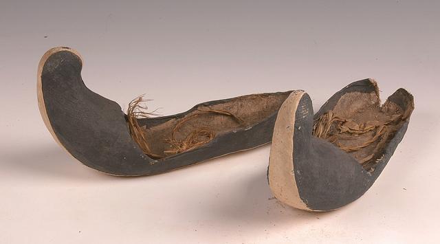 2 翘头兰绢鞋.png