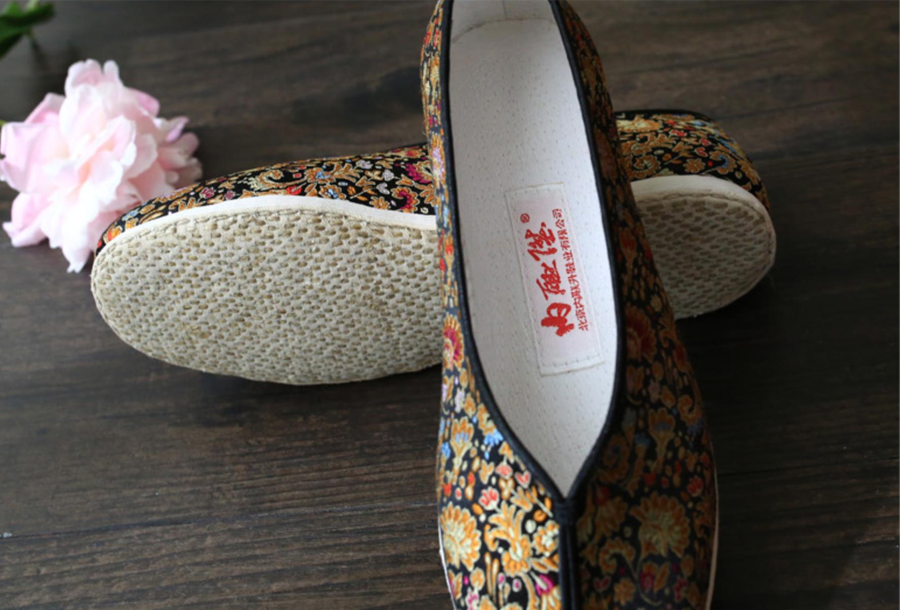 4 内联升织锦婚鞋.png