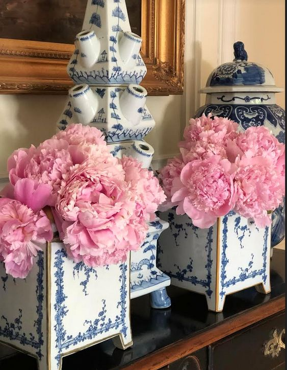 Peonies & Co : The Enchanting Power of the Chinese Flower
