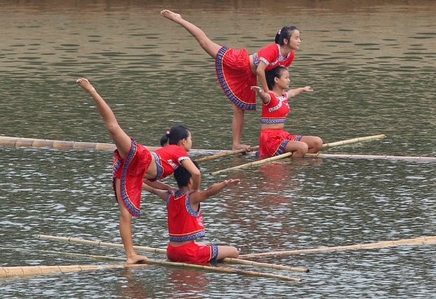 The Ancient Art of Bamboo Drifting
